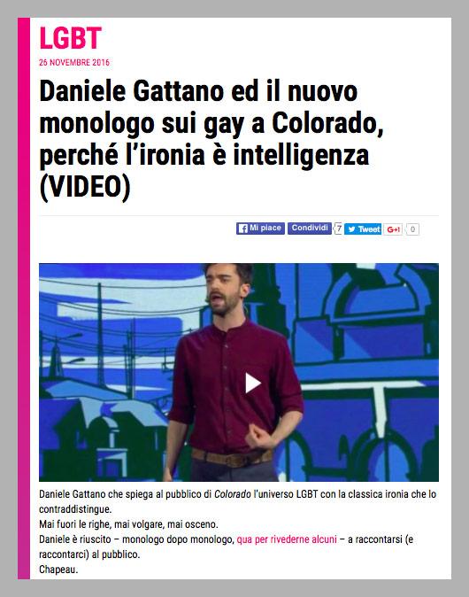 """<a href=""""http://www.bitchyf.it/daniele-gattano-ed-il-nuovo-monologo-sui-gay-a-colorado-perche-lironia-e-intelligenza-video/"""" target=""""_blank"""">BitchyF.it</a>"""