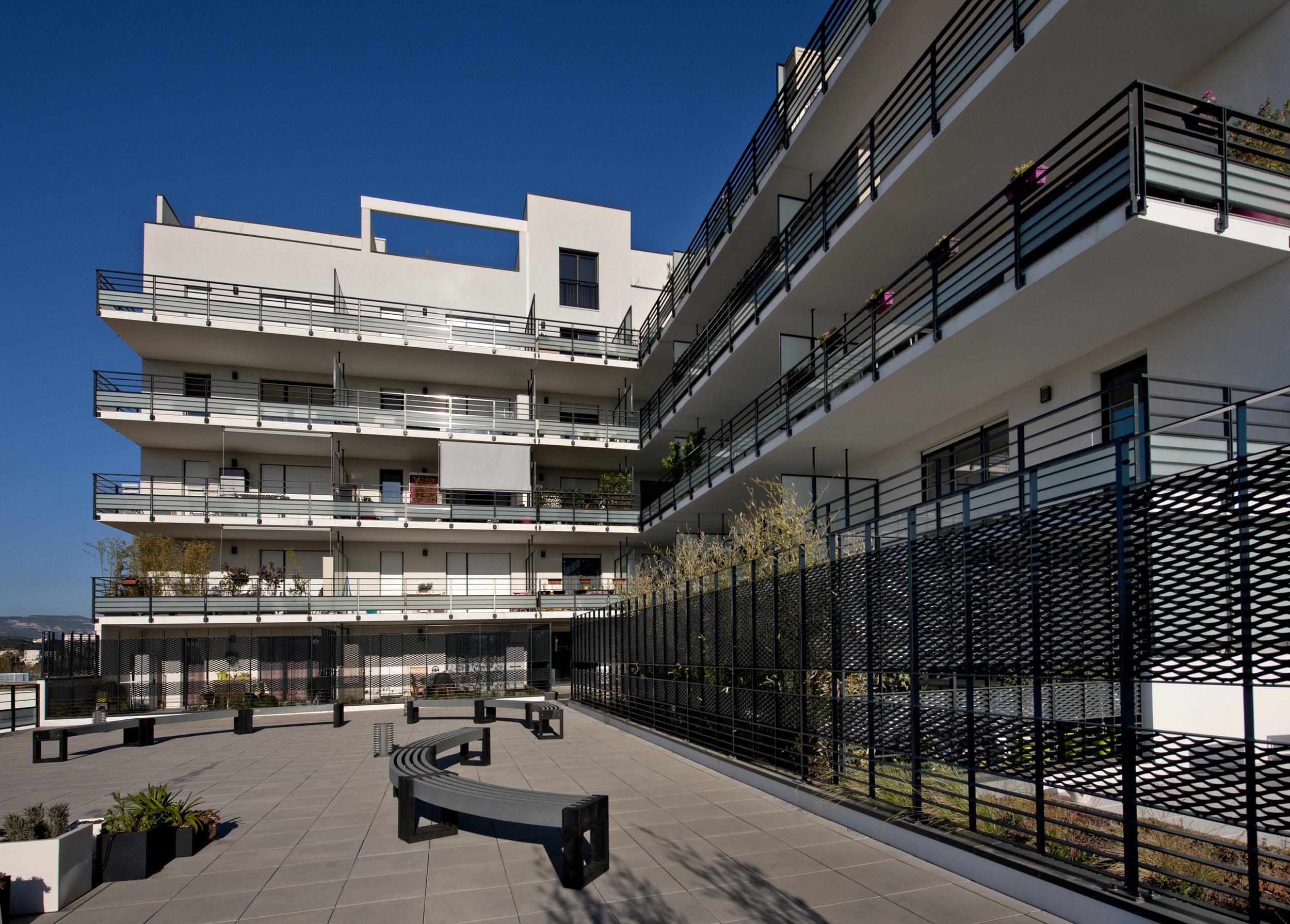 19_EHPAD_Marseille_© Lisa Ricciotti.jpg
