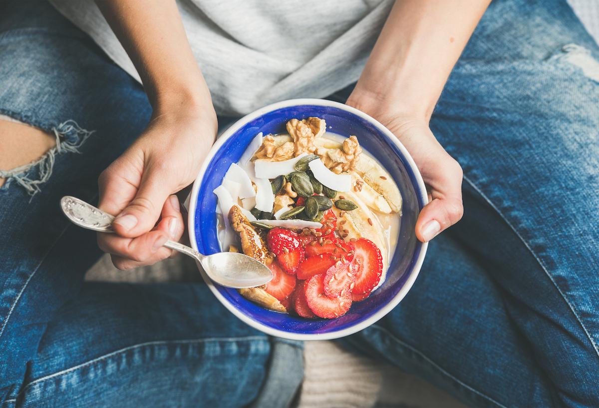 woman-healthy-food