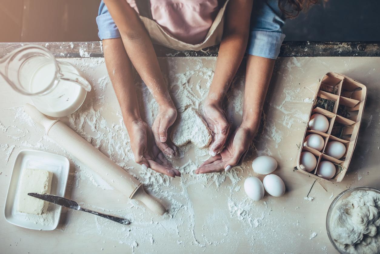 mom-daughter-kitchen.jpg