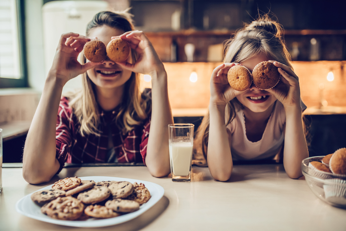 kids-dinner-table-food.jpg