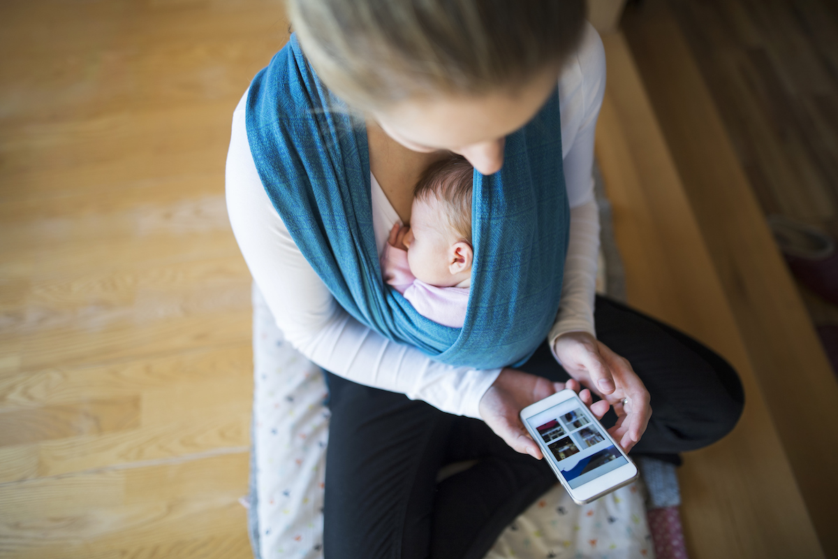 mother-baby-phone.jpg