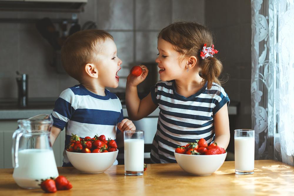 happy-children-eating.jpg