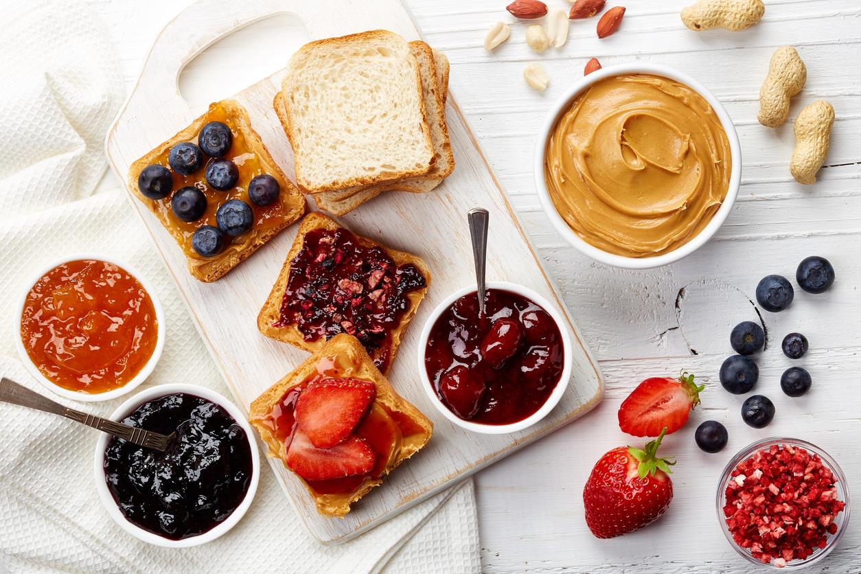 peanut-butter-sandwiches.jpg