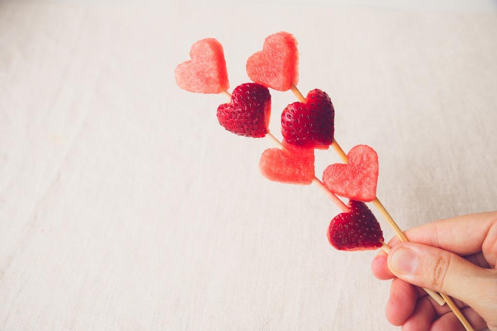 healthy-valentines-snacks.jpg
