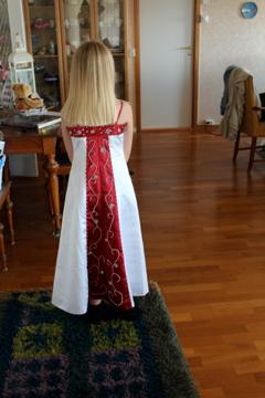 brudepikekjole-rygg.jpg