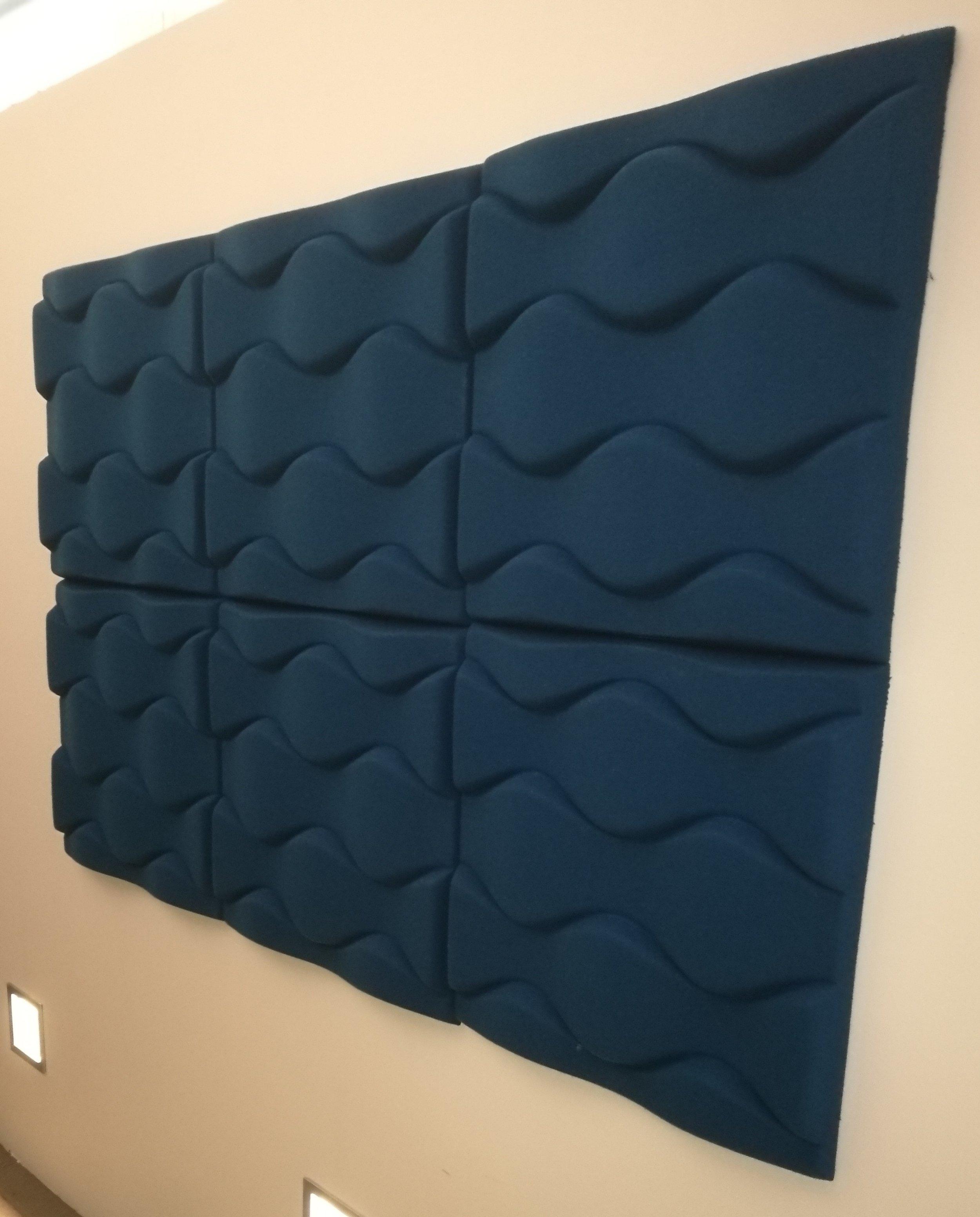 SOUNDWAVE FLO (6 stk)     Formpresset polyesterfiber i mørkeblå   Førpris NOK 1'320 eks mva pr. stk  Nåpris NOK 330 eks. mva  pr. stk