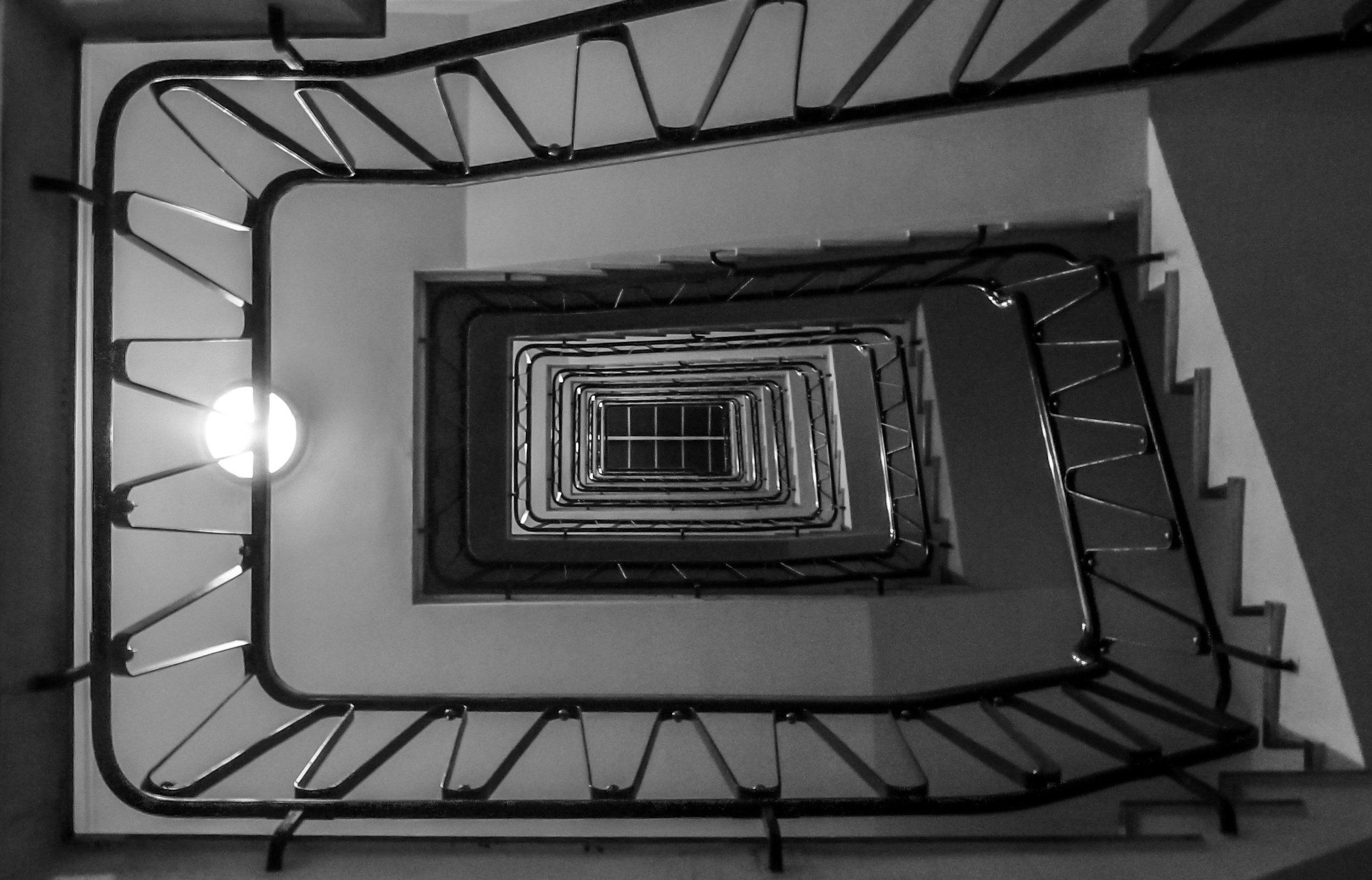 stairs-1070656.jpg