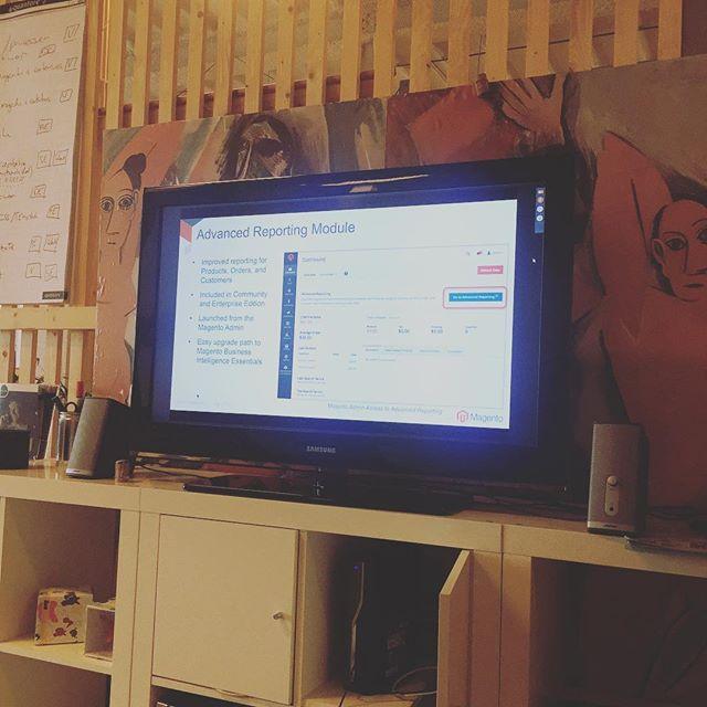 Magento 2.2 webinar met het voltallige tech team. Pizza afterwards #magento #magento2.2 #ecommerce #exxta #spinnerijoosterveld