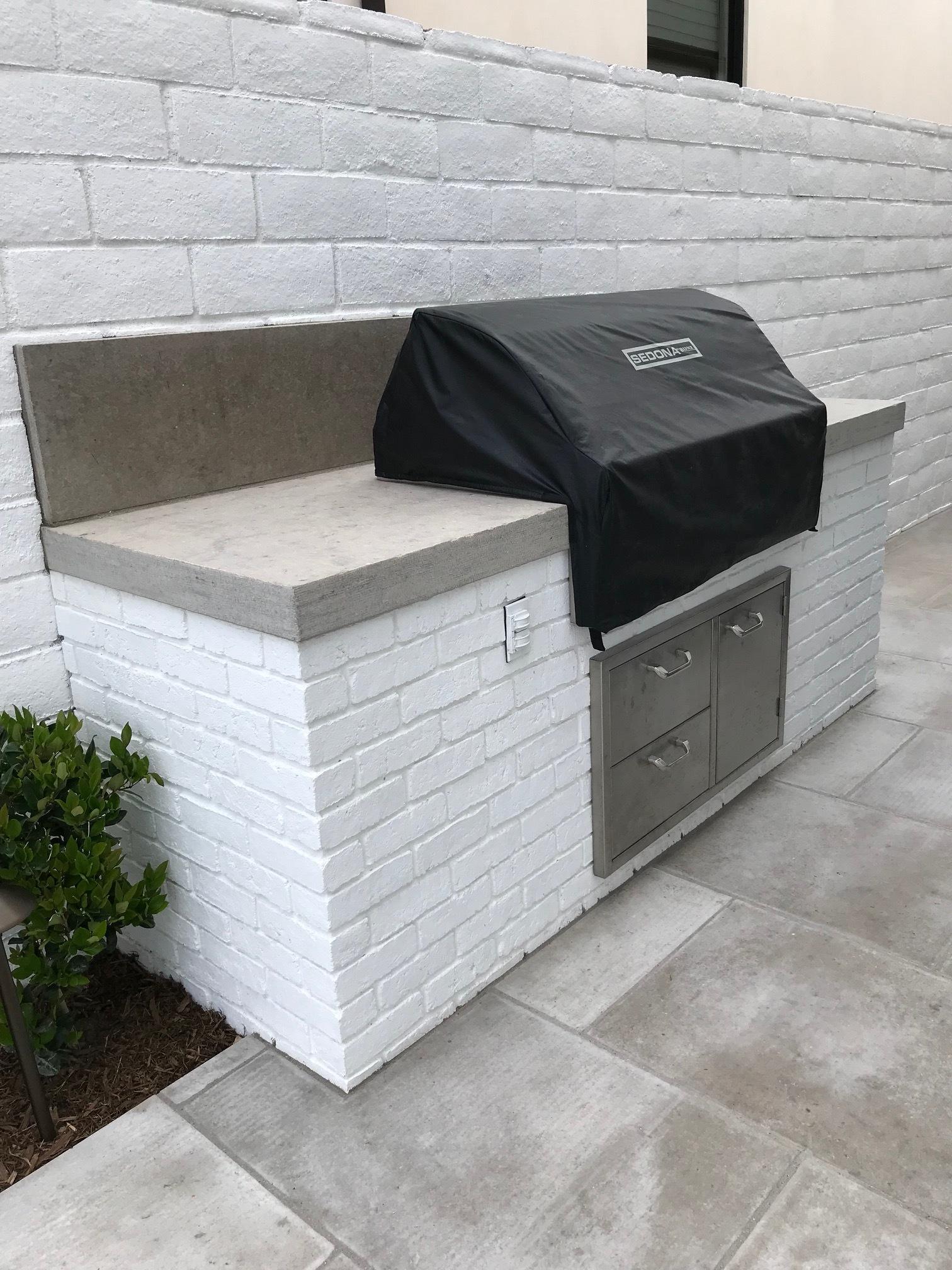 Outdoor masonry kitchen in Dana Point, California, United States