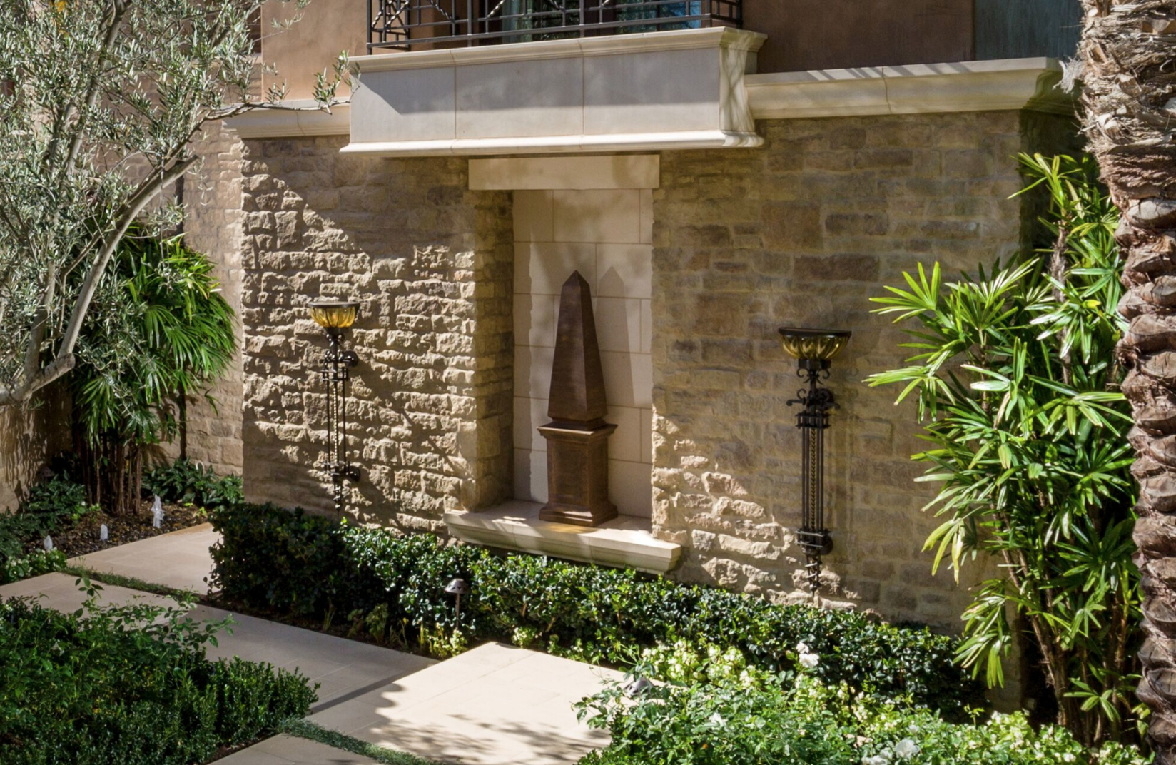 Top 3 Natural Stone Masonry Wall Ideas for Laguna Beach, CA Homes