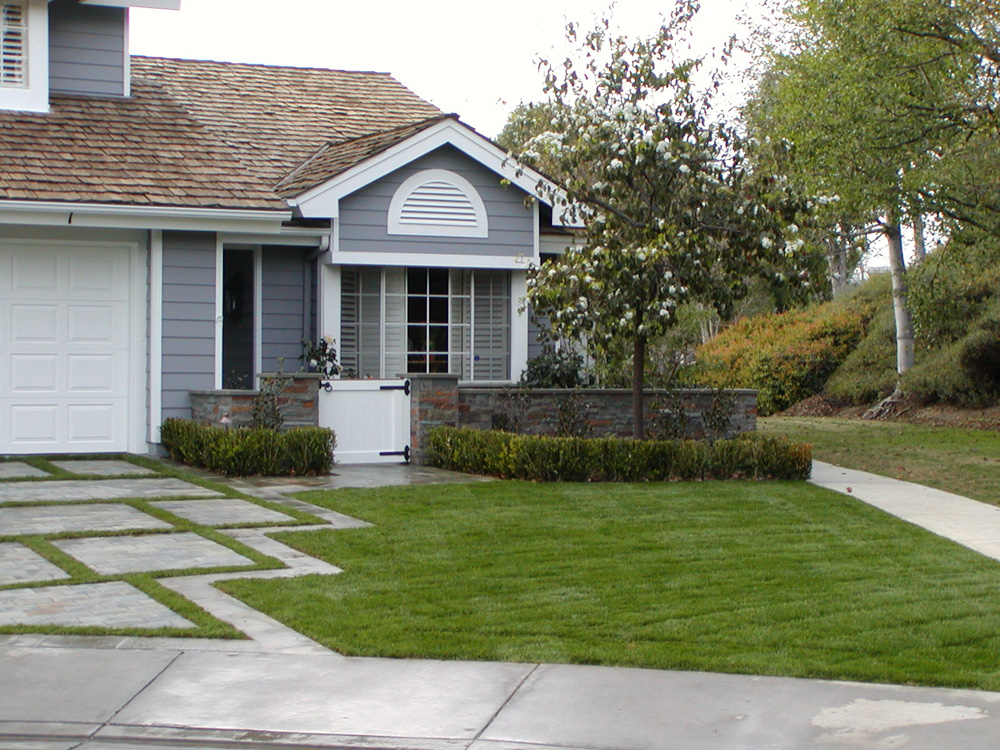 How Landscape Contractors Can Maximize a Home's Curb Appeal with an Exterior Makeover