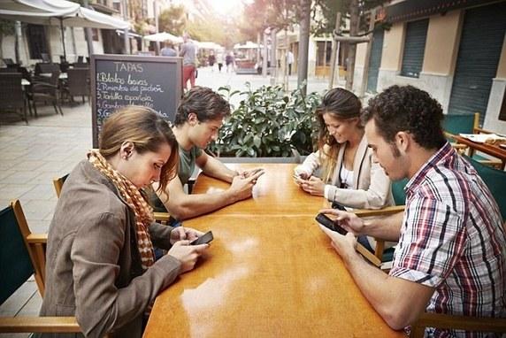texting group.jpg