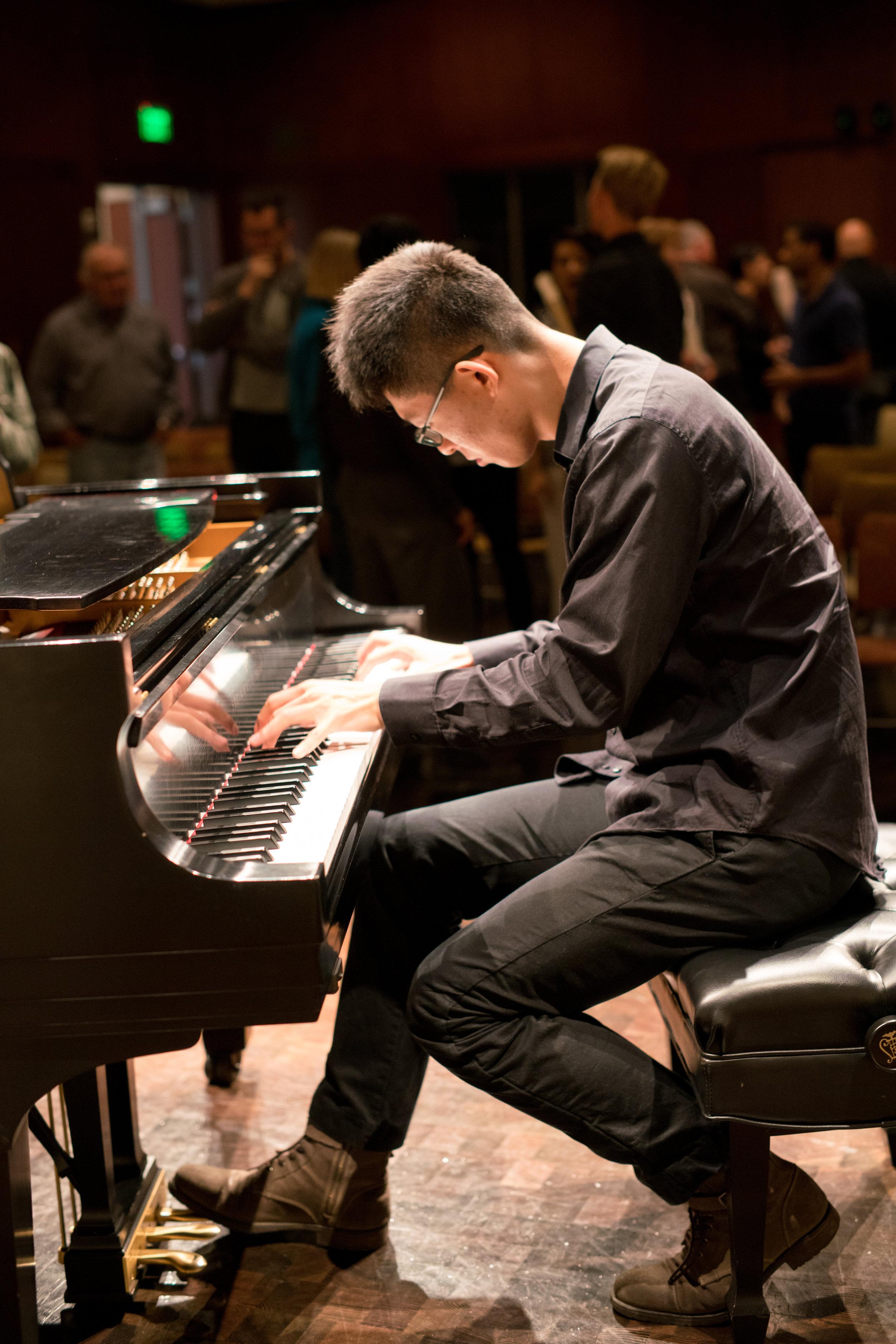 Lafeyette Amateur Pianist