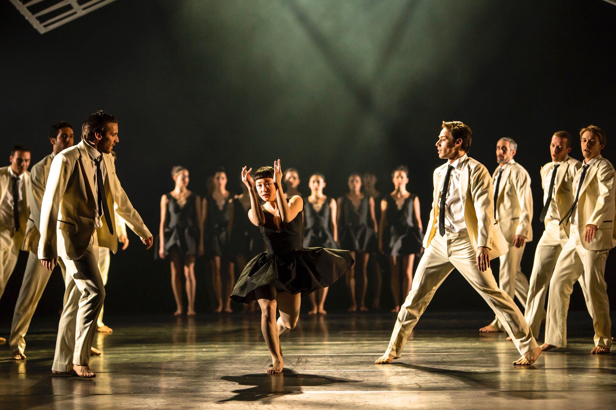 Les Noces • Geneva Ballet • Choreographer Didy Veldman • Designer Miriam Buether