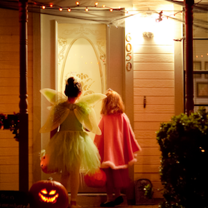 Halloween Guide to Trick or Treating with Food Allergies
