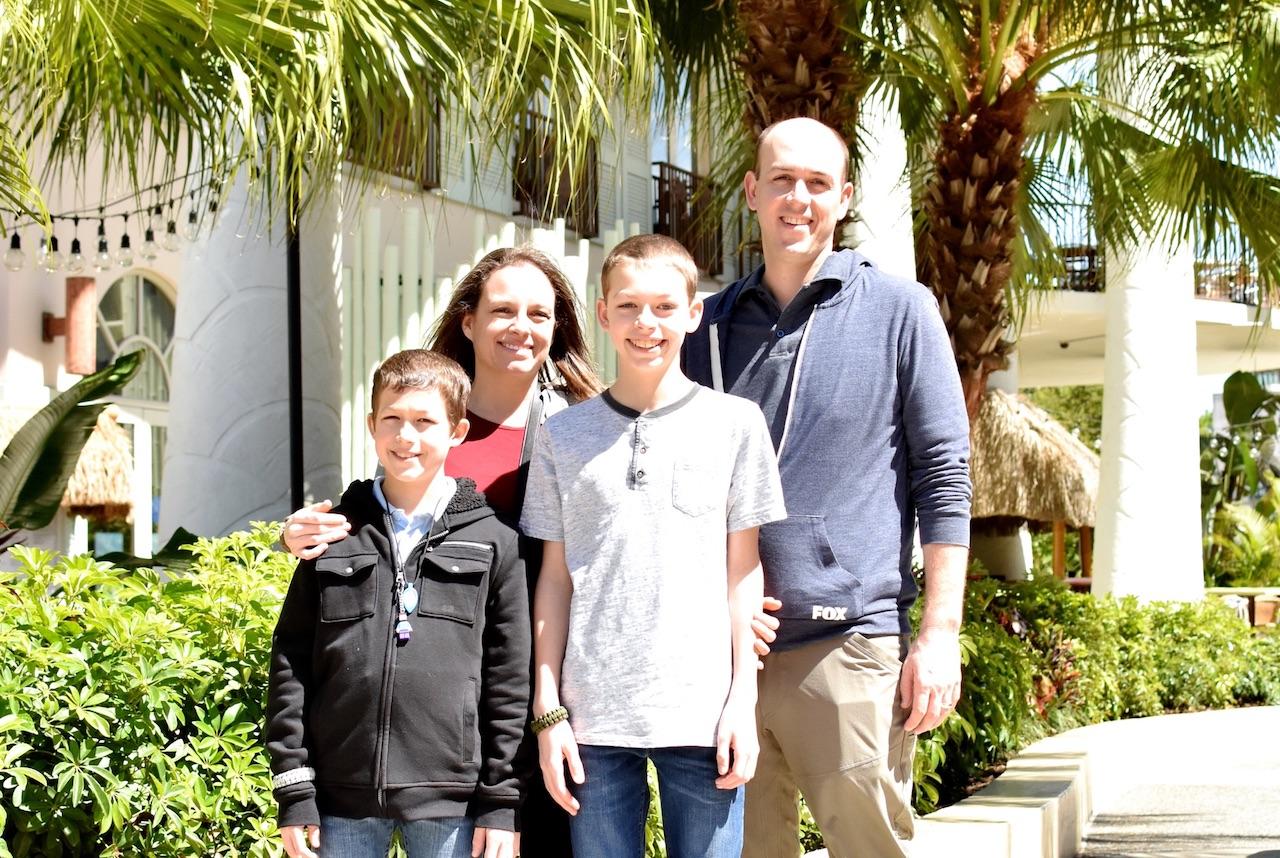 Jamie, her husband and 2 boys