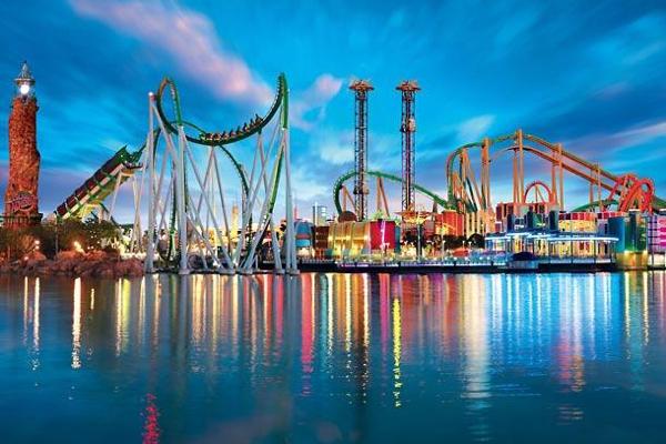 holiday world & splashin' safari amusement park water park food allergy friendly santa claus indiana