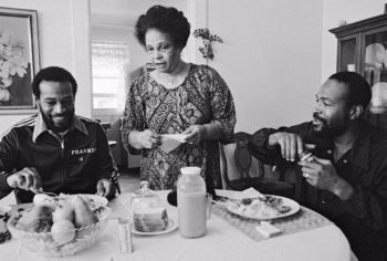 Frankie, Alberta, Marvin at breakfast (photo: Bruce W. Talamon)
