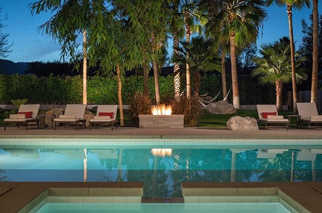 Poolside evening vibes at Polo Villas 🔥 #polovillas #luxuryvacationrentals #laquinta