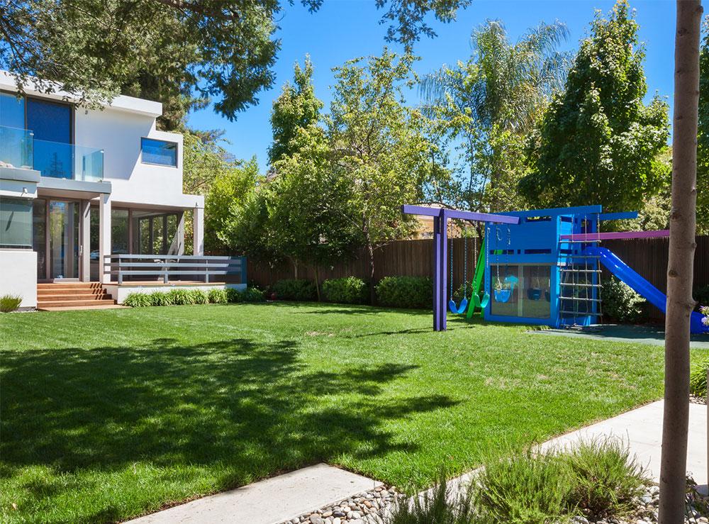 Main Residence, yard