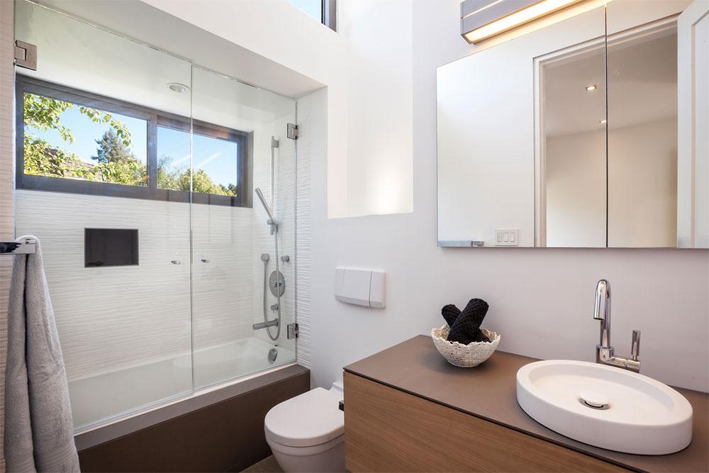Main Residence, Bathroom