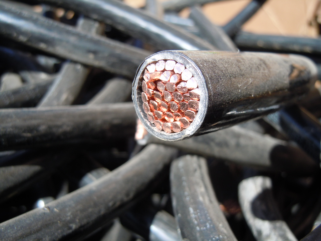 Lead Insulated Copper Wire