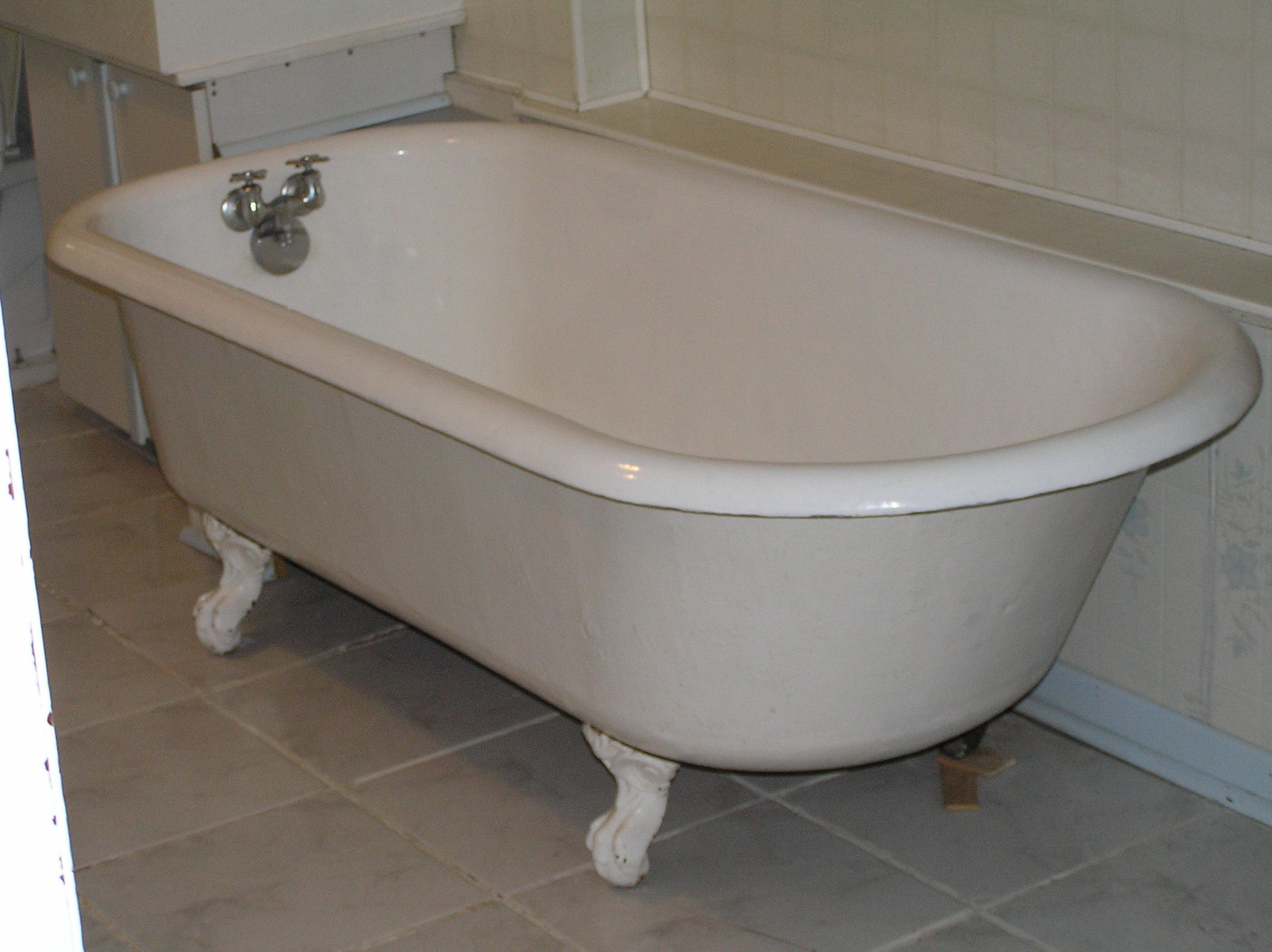 Cast Iron Bath Tubs