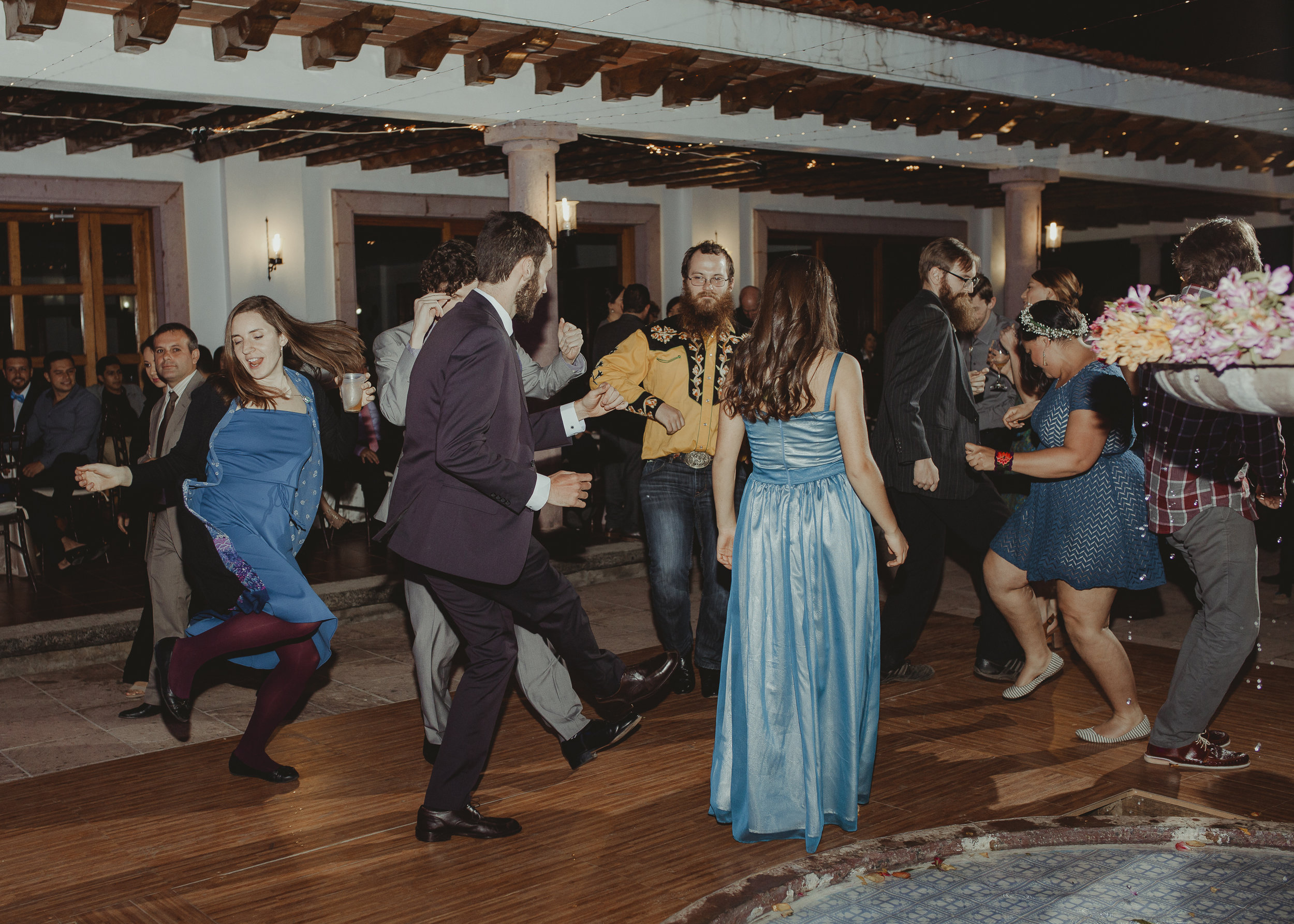 Fotografo-de-bodas-destino-Mexico-wedding-destination-photographer-san-miguel-de-allende-guanajuato-queretaro-boho-bohemian-bohemio-chic-editorial-carotida-photographer-sayulita-los-cabos