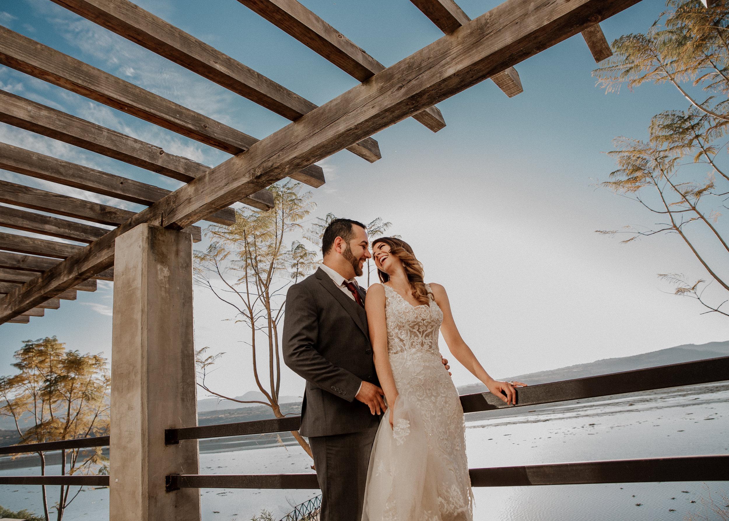 Fotografo-de-bodas-destino-Mexico-wedding-destination-photographer-san-miguel-de-allende-guanajuato-queretaro-boho-bohemian-bohemio-chic-editorial-carotida-photographer-lago-michoacan