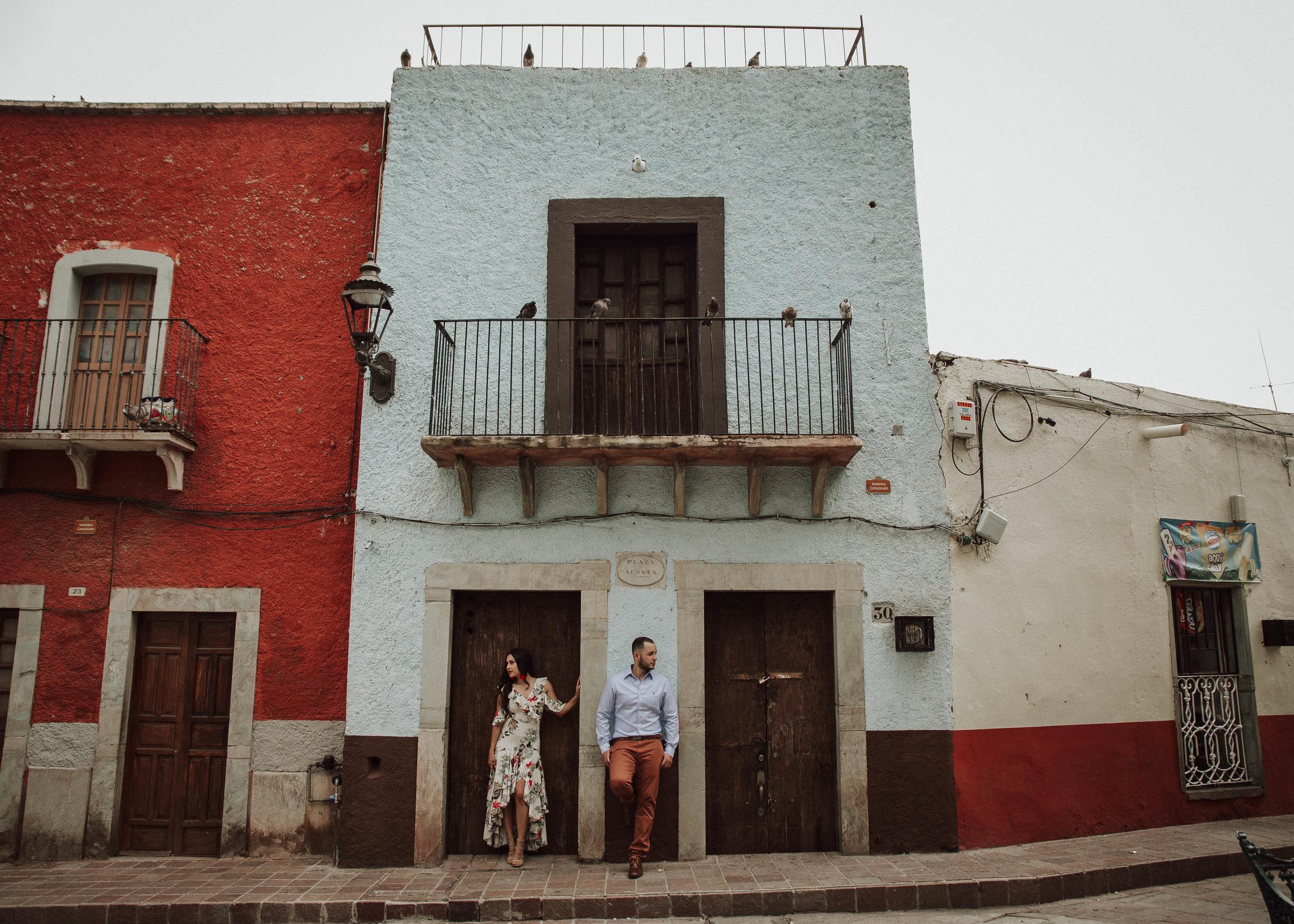 Fotografo-de-bodas-destino-Mexico-wedding-destination-photographer-san-miguel-de-allende-guanajuato-queretaro-boho-bohemian-bohemio-chic-editorial-carotida-photographer-castillo-santa-cecilia