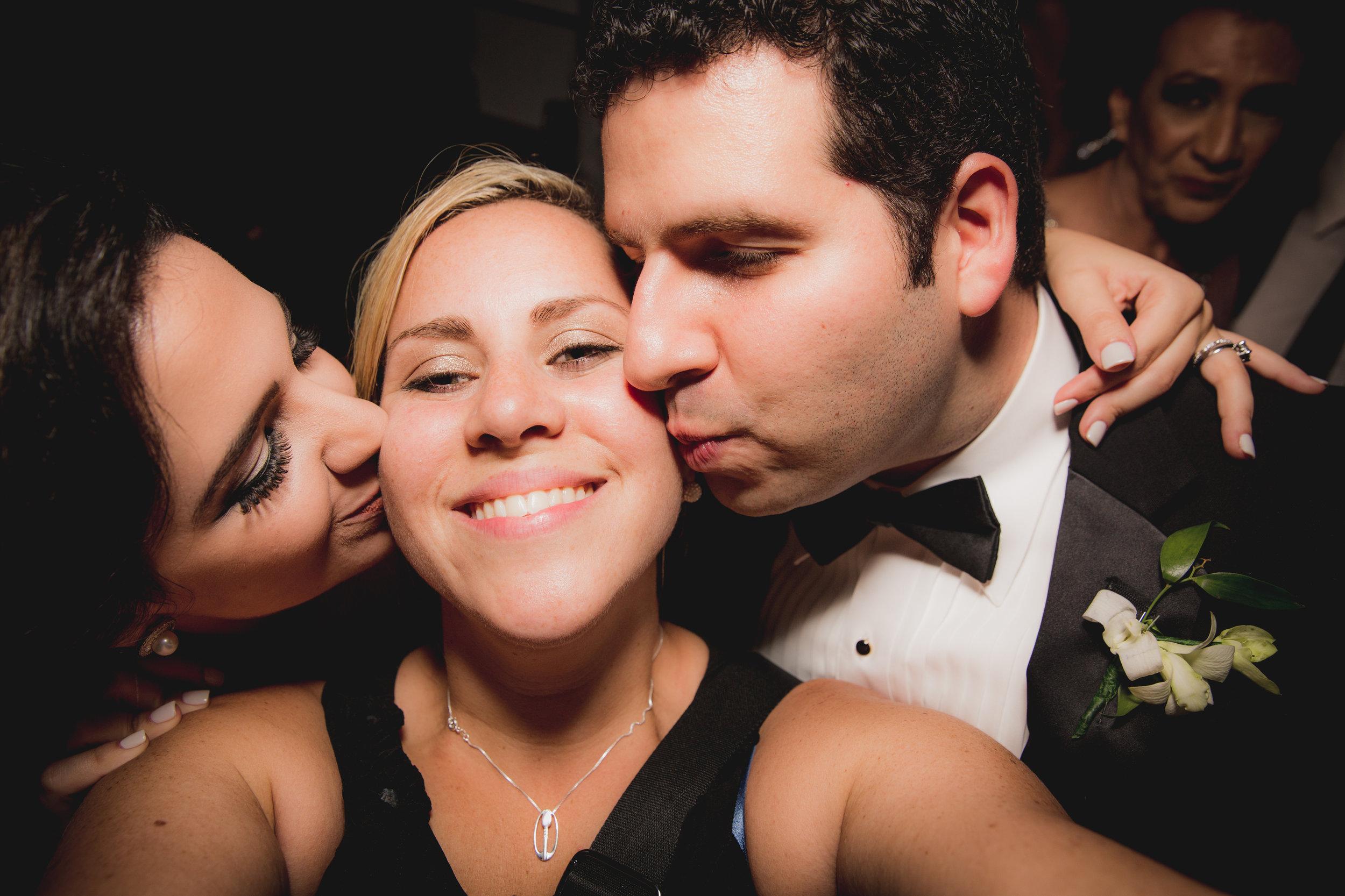 hoduras hotel maya wedding bride and groom love
