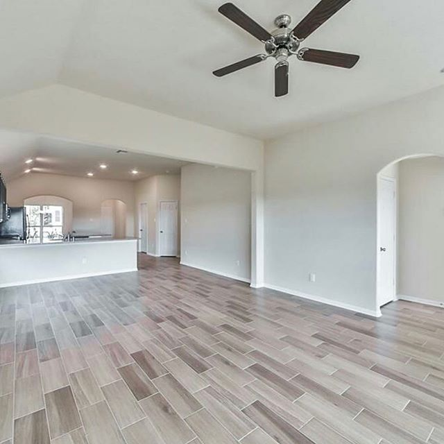 Congratulations to our amazing client and her agent Jasmin Gomez! On the closing of this beautiful #newconstruction home in #katytx!! #katyrealestate #cypressrealestate #houstonrealtor