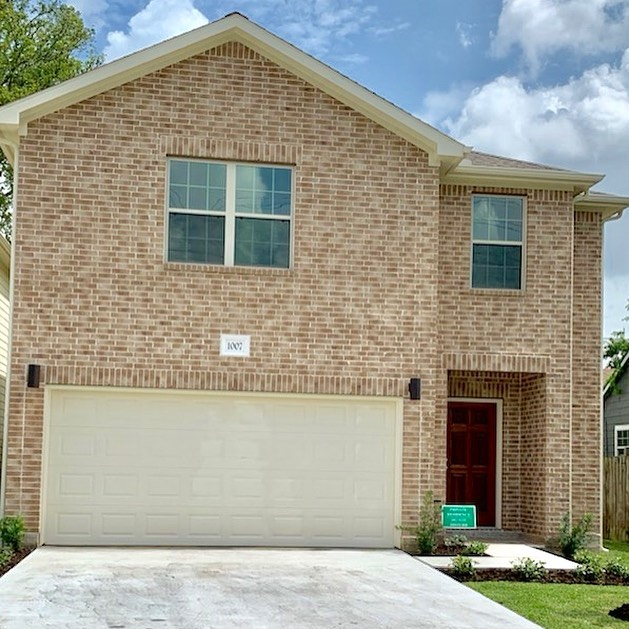 #congratulations to our amazing agent Jasmin on another #closing!! Her lucky buyer was able to purchase this beautiful #newconstruction home in #downtownhouston! #multipleoffers and #lowinventory #houstonrealtor #houstonbroker #houstonrealestate