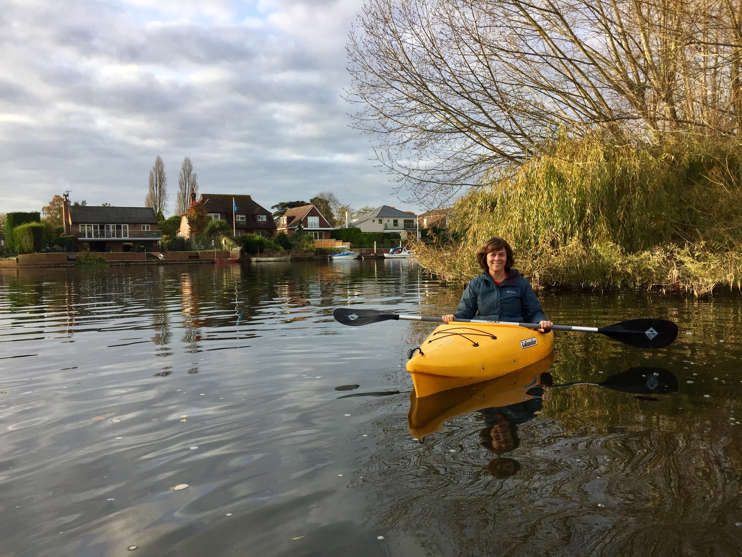 Kayaking on the Thames near our Workaway home