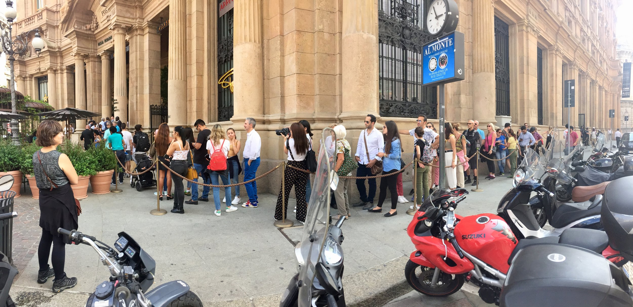 The line at the new   Starbucks Reserve Roastery   in Milano