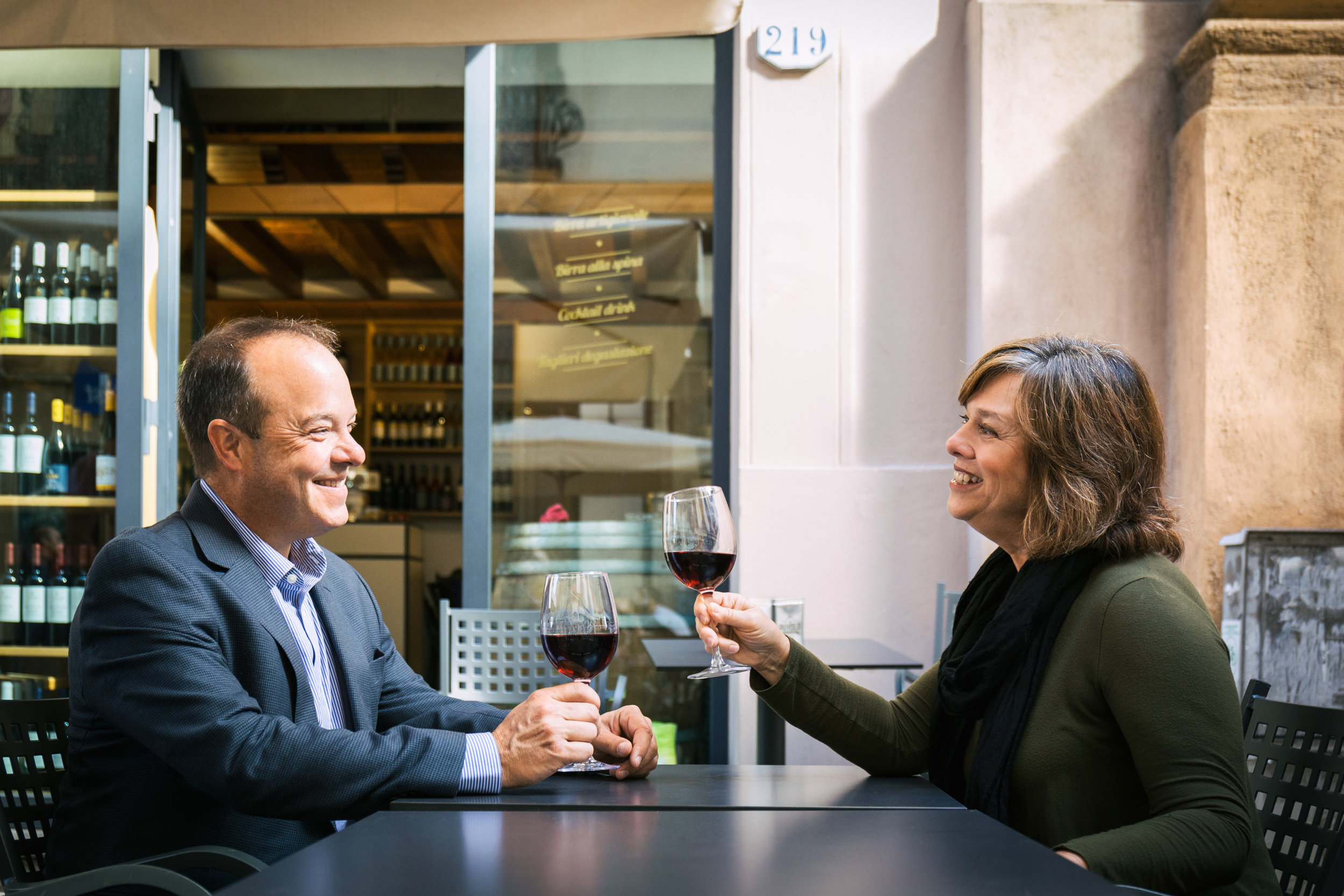 Toasting with a Sicilian wine in Palermo, Italy - Photo by   Alberto Alicata