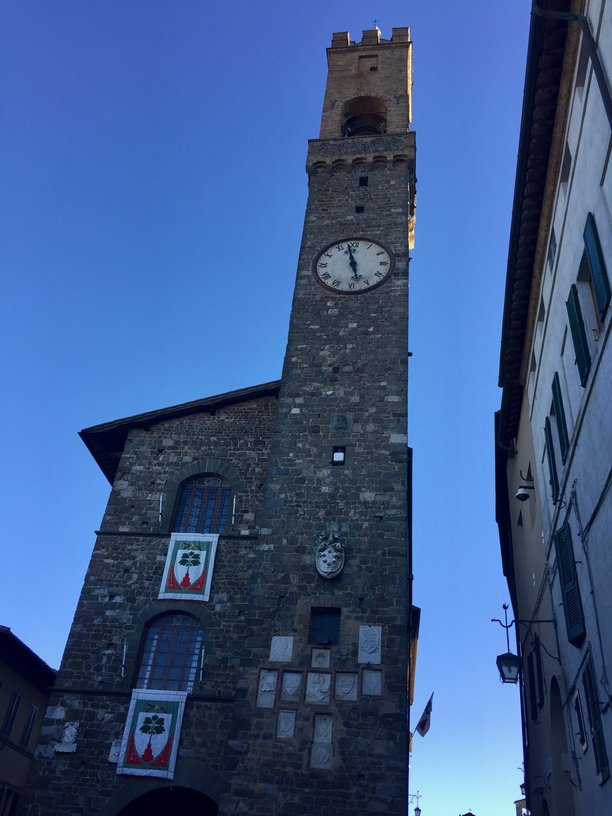 clock-tower-in-montalcino.jpg