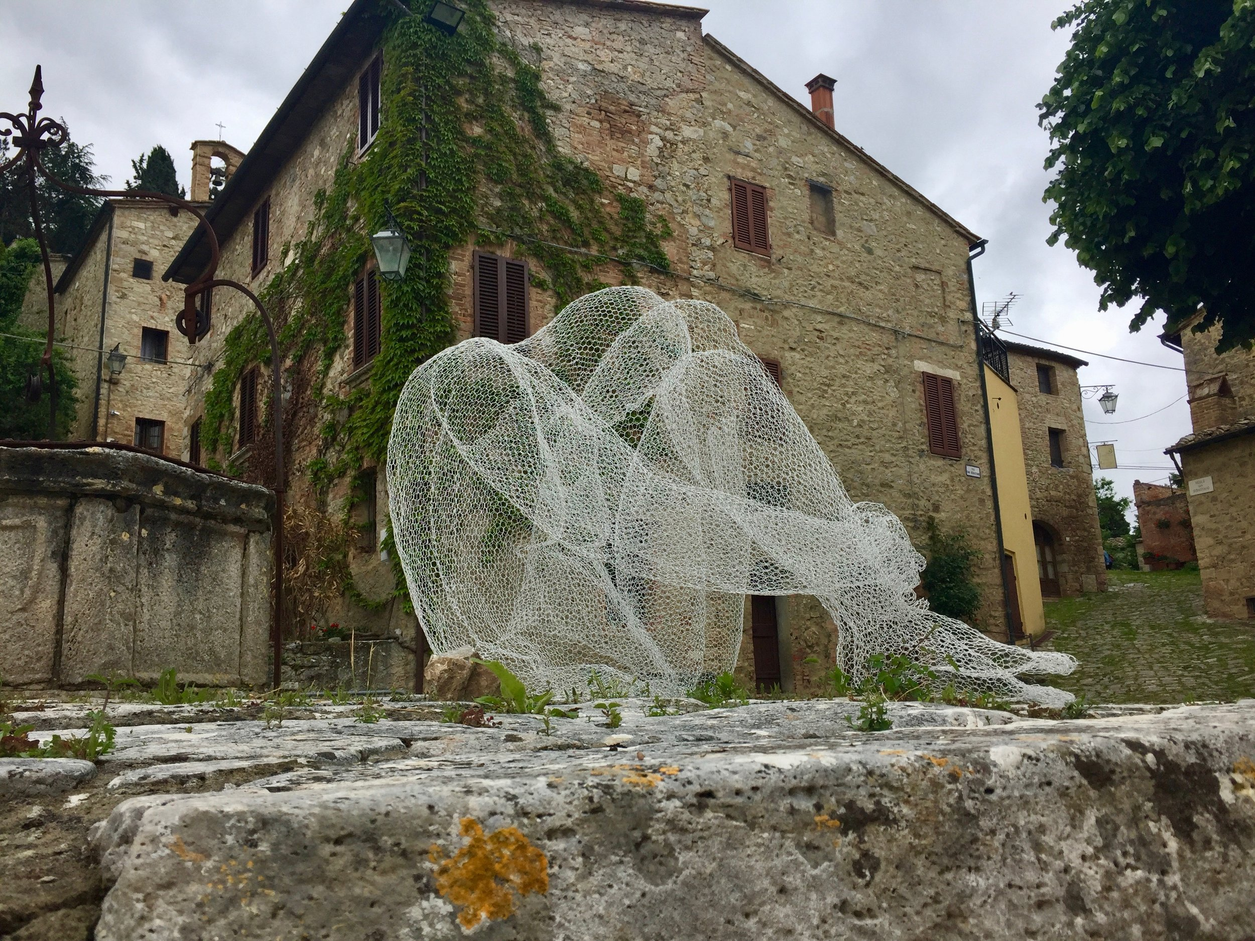 One of the mesh sculptures in Rocca d'Orcia