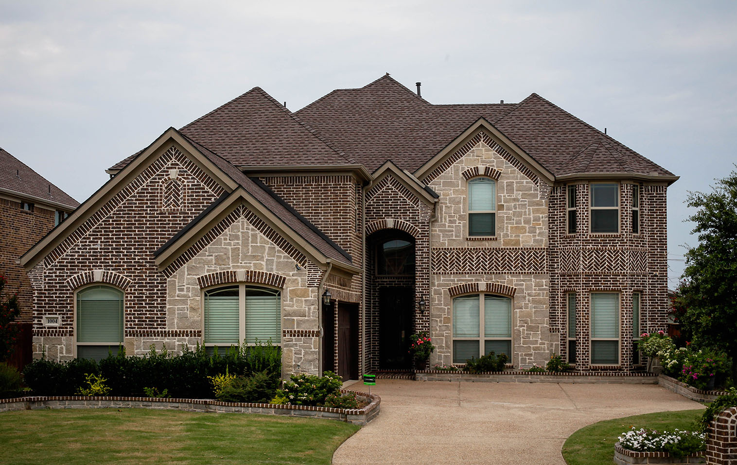 flower-mound-tx-roofing-contractor-frame-restoration-flower-mound-tx-roof-replacement-mission-brown