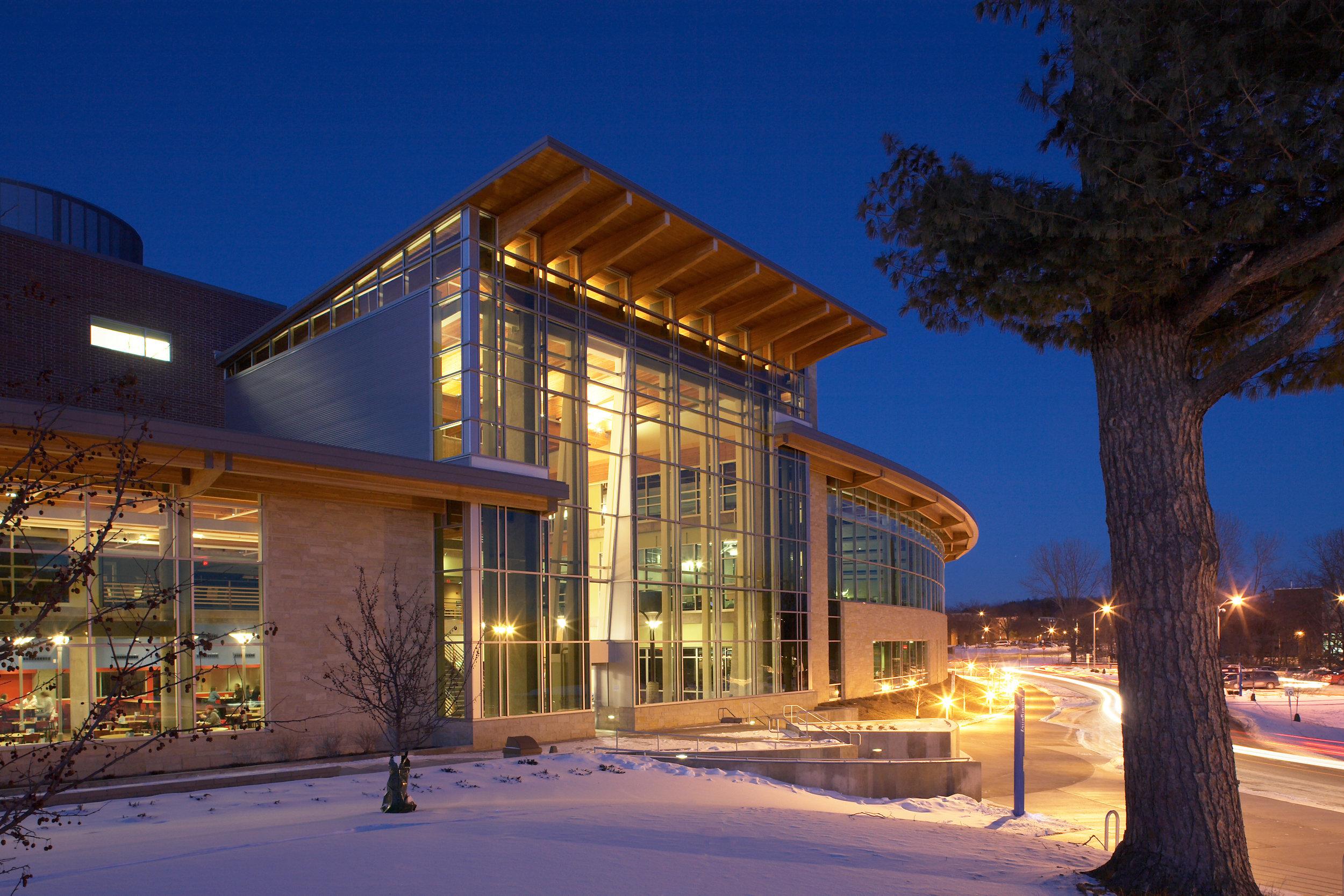 University of Wisconsin – River Falls University Center