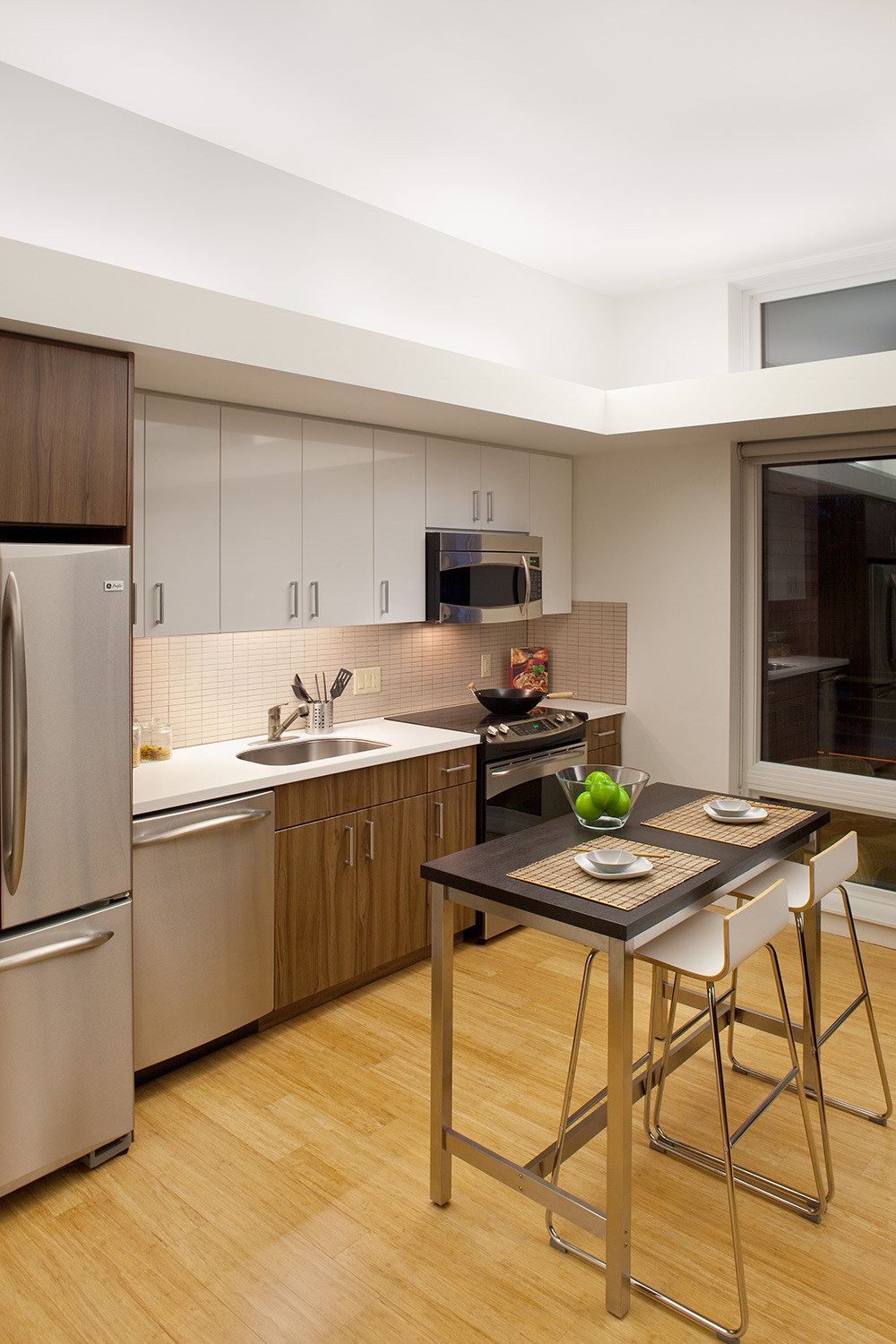 7_KStation-JoshPartee-1807-kitchen-night.jpg