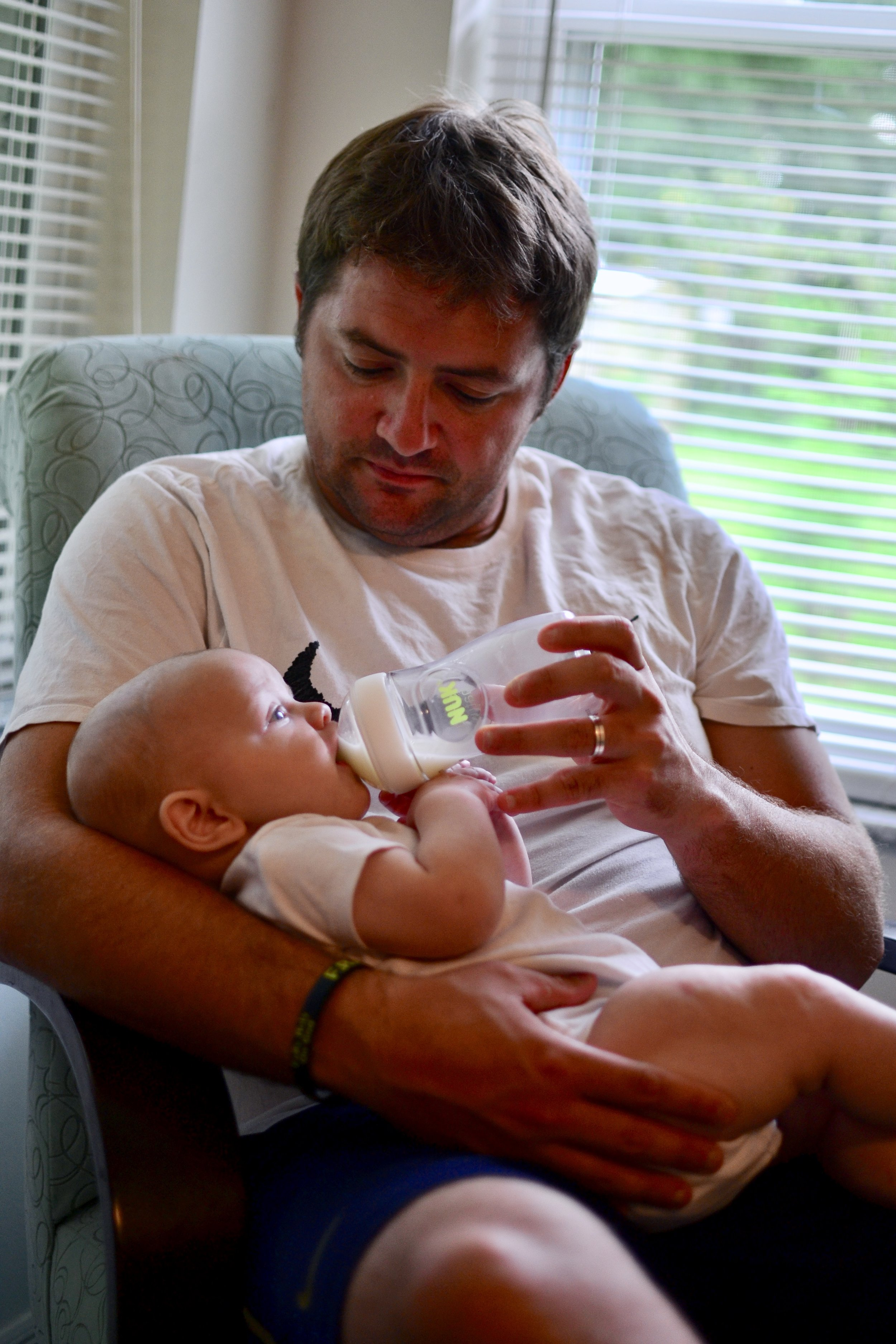 getting breastfed baby to take a bottle