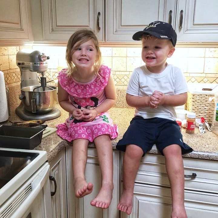 kids helping in the kitchen
