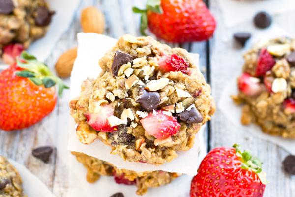 Chocolate-Strawberry-Oatmeal-Breakfast-Cookies-3.jpg