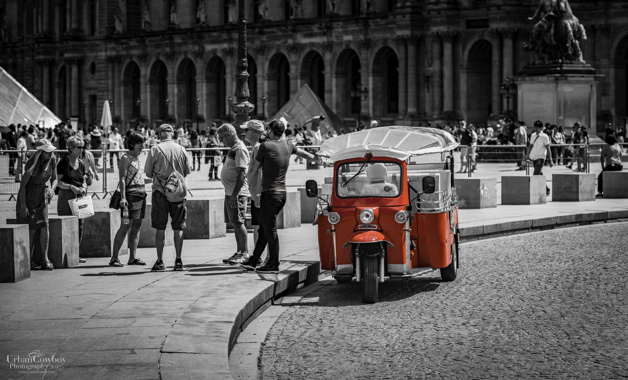 Louvre Red French Car Pop.jpg