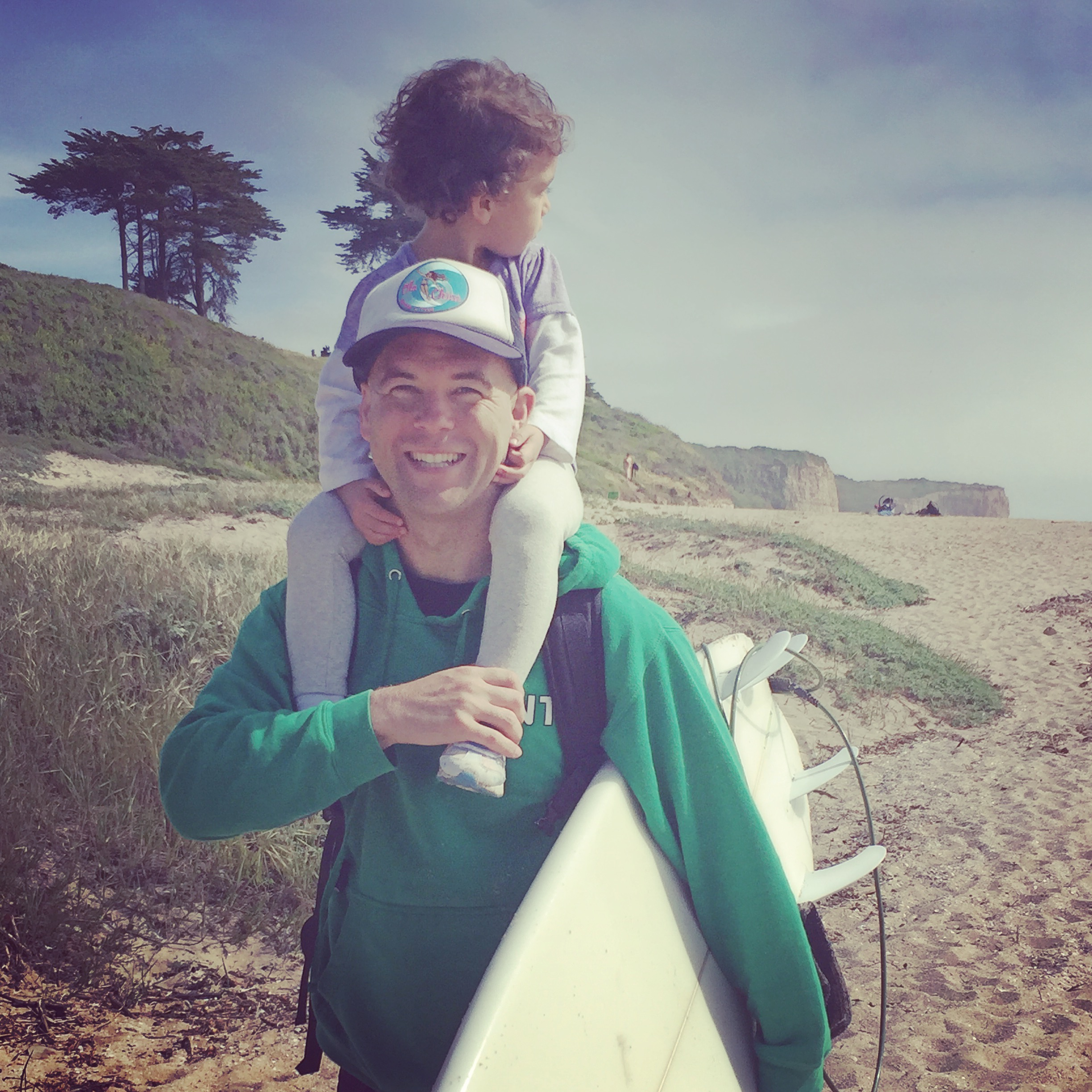 Surf was so good that day Laila couldn't take her eyes off it. ;)