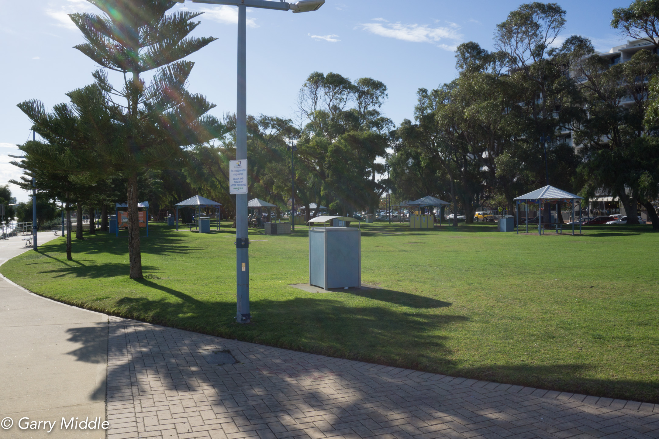 Plate 3: A popular grassed area adjacent to the walking path.