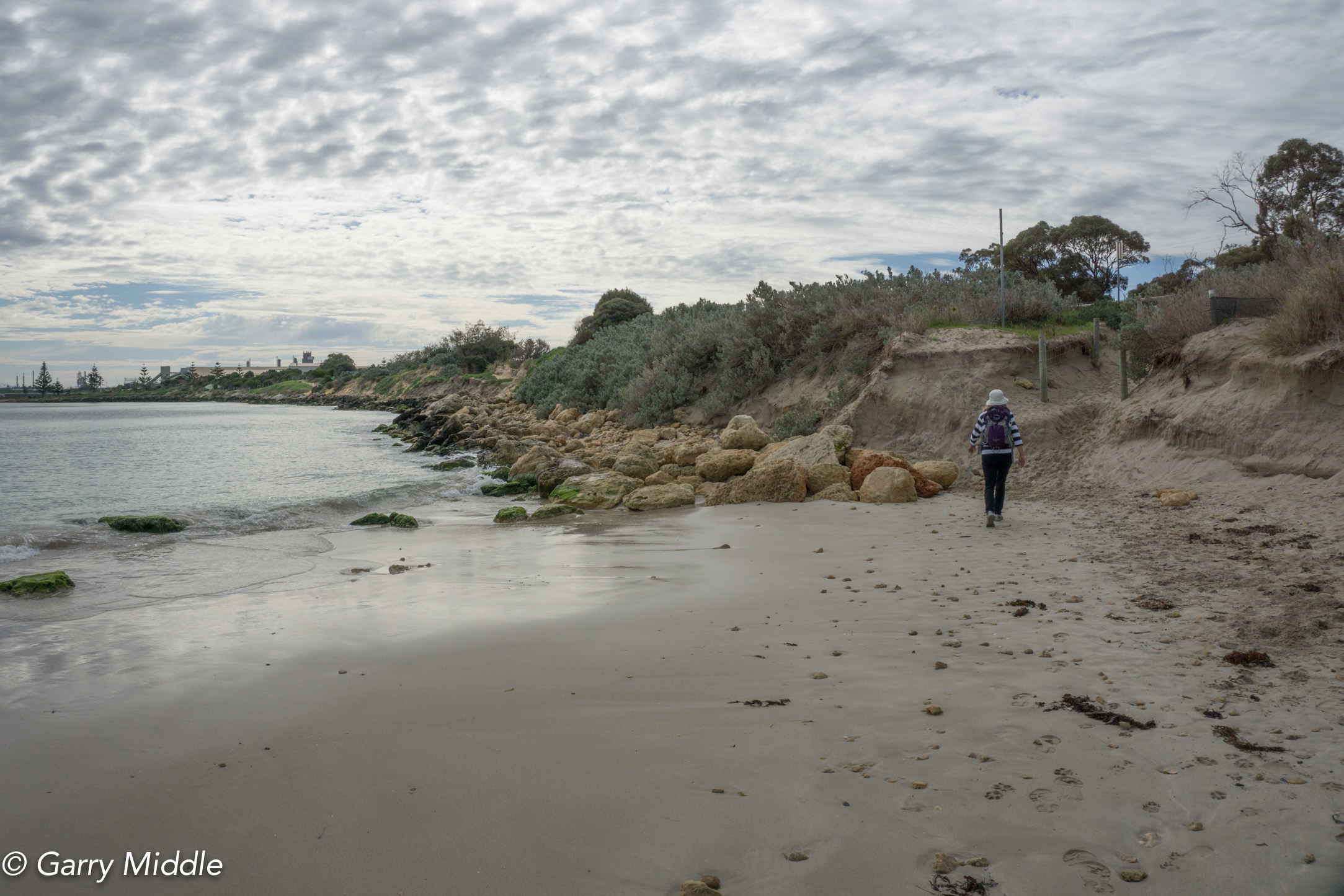 Plate 19: End of the beach just south of Kwinana Beach. The seawall and lack of beach is obvious. The track to the small carpark is visible at the end of the beach