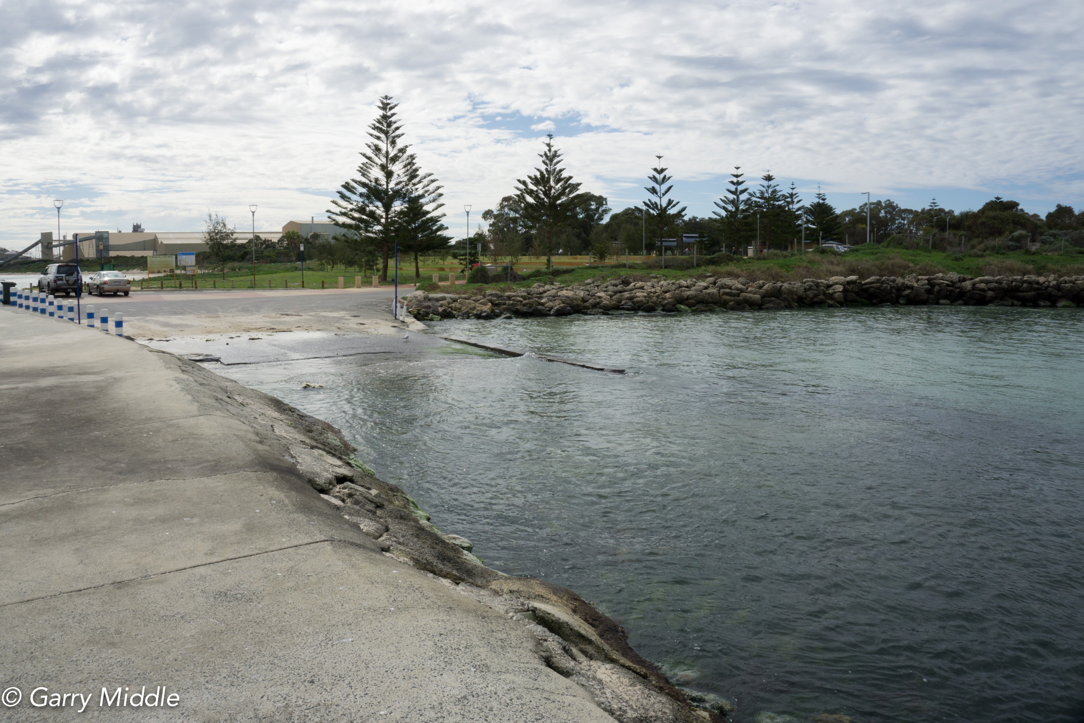Plate 26: View of Kwinana Beach grassed area from the Kwinana wreck